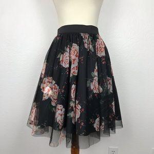 Torrid Floral Mesh Elastic Waist Full Skirt Sz 1/2